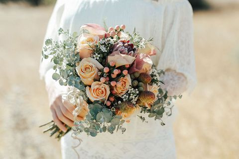 Bouquet, Flower, Flower Arranging, Photograph, Floristry, Cut flowers, Garden roses, Floral design, Plant, Rose,