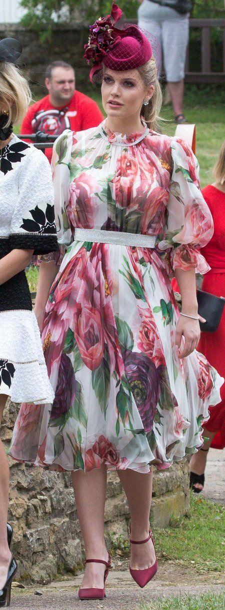 Clothing, Dress, Pink, Fashion, Footwear, Textile, Sleeve, Street fashion, Pattern, Pattern,