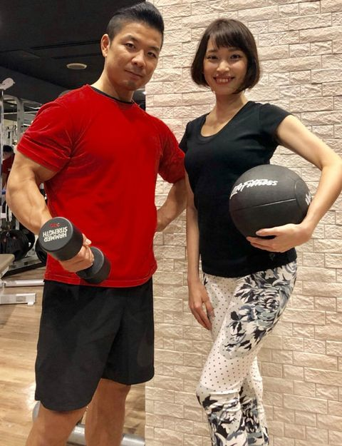 Physical fitness, Exercise equipment, Shoulder, Muscle, Sports equipment, Medicine ball, Sports, Personal trainer, Exercise,