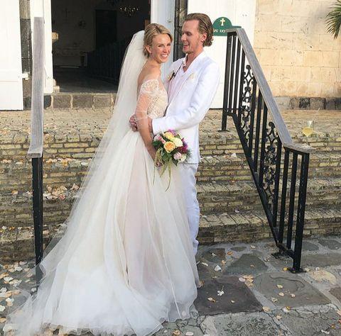 Wedding dress, Bride, Gown, Dress, Bridal clothing, Photograph, White, Clothing, Bridal accessory, Bridal veil,