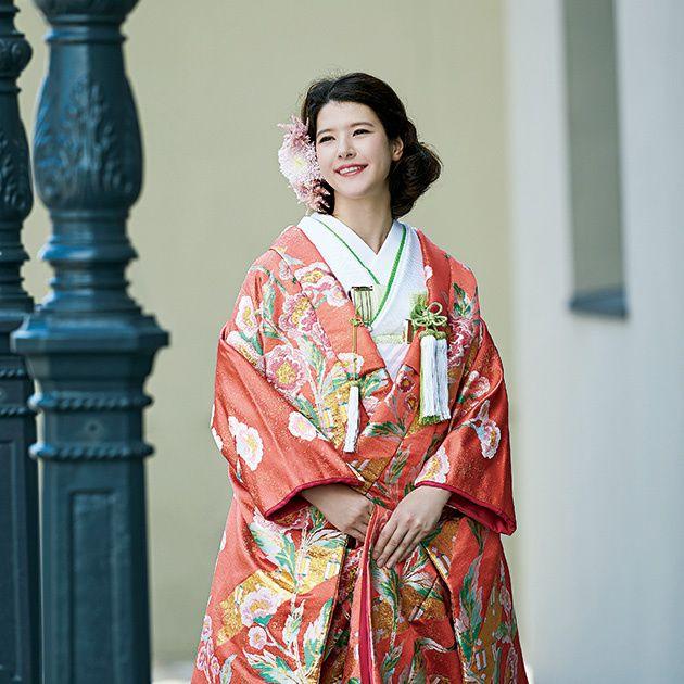 Clothing, Costume, Kimono, Fashion, Dress, Tradition, Photo shoot, Textile, Outerwear, Formal wear,