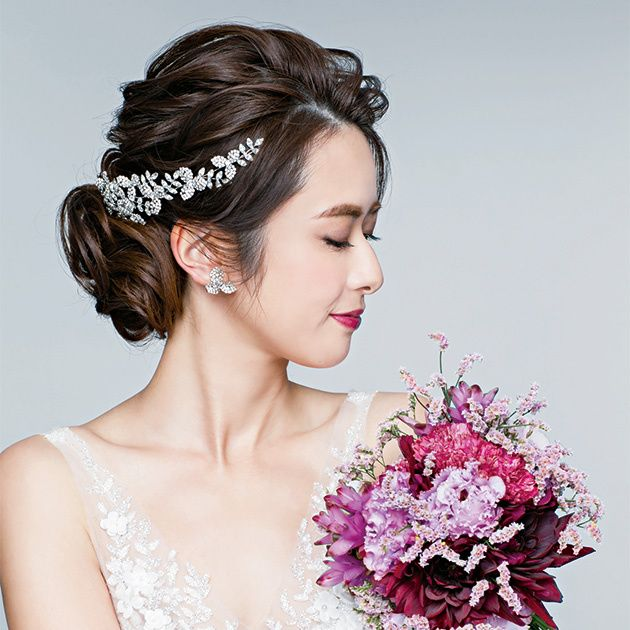 Hair, Headpiece, Bride, Hair accessory, Hairstyle, Clothing, Skin, Beauty, Pink, Bridal accessory,