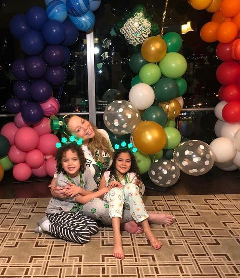 Balloon, Party supply, Party, Fun, Toy, Event, Tree, Architecture, Happy, Child,