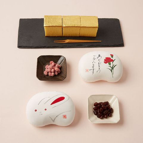 Comfort food, Technology, Japanese cuisine, Electronic device, Side dish, appetizer, Game controller, Cuisine,
