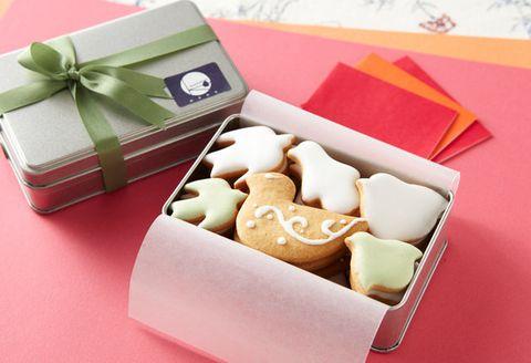 Food, Giri choco, Party favor, Honmei choco, Present, Sweetness, Wedding favors, Box, Petit four, Cuisine,