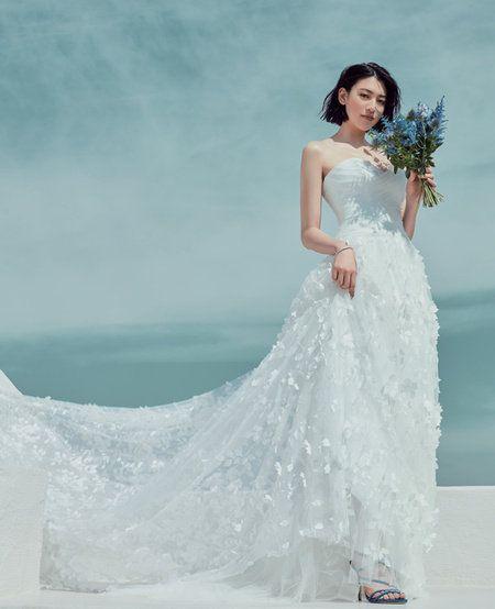 Gown, Wedding dress, Dress, Clothing, Shoulder, White, Bridal clothing, Photograph, Bride, Fashion model,