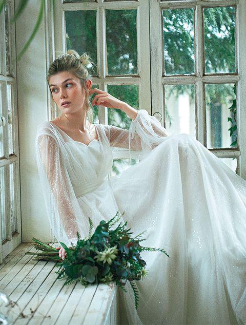Wedding dress, Gown, Bride, Dress, Photograph, White, Bridal clothing, Bridal accessory, Clothing, Bridal party dress,