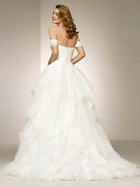 Gown, Wedding dress, Clothing, Fashion model, Dress, Bridal party dress, Bridal clothing, Shoulder, Bride, Photograph,