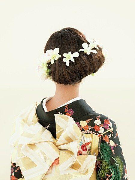 Hairstyle, Style, Headgear, Hair accessory, Art, Costume, Fashion, Kimono, Sakko, Shimada,