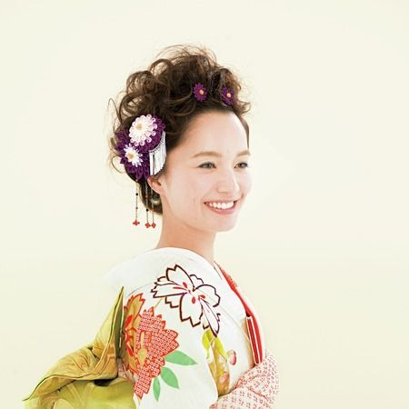 Hairstyle, Sleeve, Style, Dress, Peach, Day dress, Bun, Hair accessory, Makeover, Artificial flower,