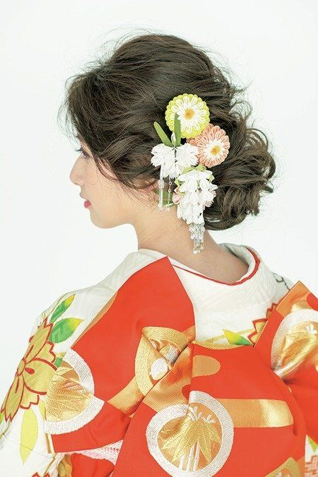 Hairstyle, Style, Petal, Art, Peach, Artwork, Fruit, Painting, Artificial flower, Illustration,