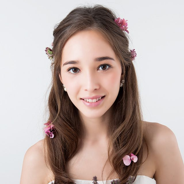 Clothing, Lip, Hairstyle, Skin, Forehead, Shoulder, Eyebrow, Petal, Happy, Pink,