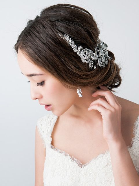 Clothing, Hairstyle, Skin, Forehead, Shoulder, Eyebrow, Bridal accessory, Hair accessory, Headpiece, Style,