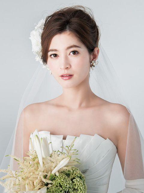 Lip, Hairstyle, Eye, Skin, Shoulder, Eyebrow, Bridal clothing, Photograph, Dress, Bride,