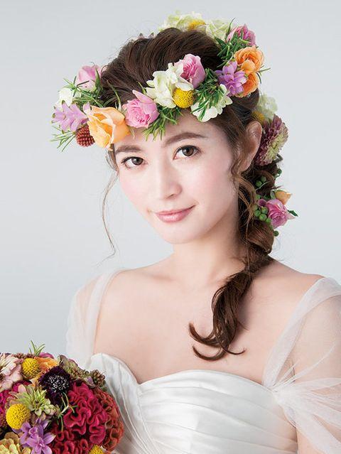 Clothing, Petal, Flower, Photograph, Bridal clothing, Hair accessory, Style, Headpiece, Cut flowers, Headgear,
