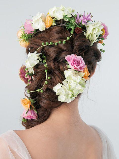 Petal, Hairstyle, Flower, Hair accessory, Headgear, Headpiece, Bridal accessory, Cut flowers, Artificial flower, Floral design,