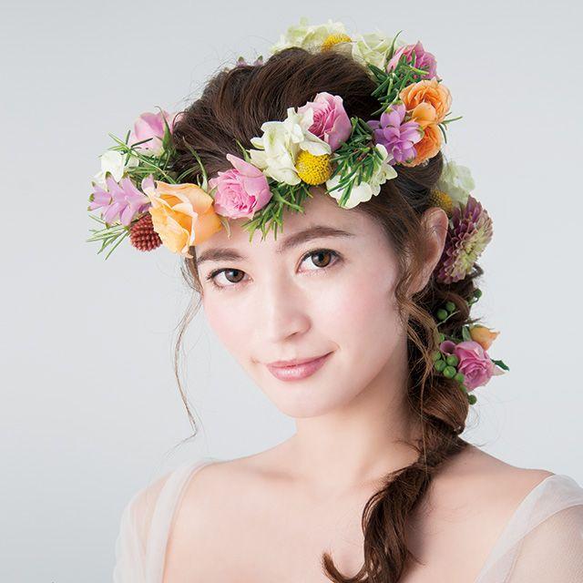 Clothing, Petal, Flower, Photograph, Hair accessory, Bridal clothing, Style, Headpiece, Beauty, Headgear,
