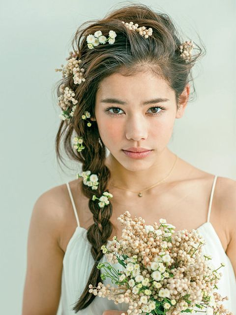 Clothing, Hairstyle, Eye, Petal, Shoulder, Photograph, Hair accessory, Bridal accessory, Flower, Headpiece,