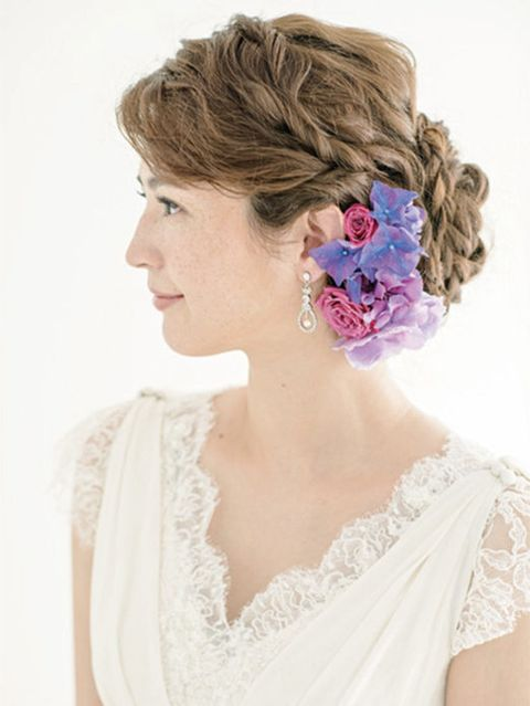 Clothing, Hairstyle, Shoulder, Style, Petal, Beauty, Headgear, Hair accessory, Embellishment, Wedding dress,