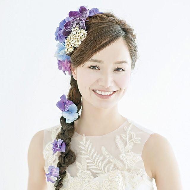 Shoulder, Purple, Hair accessory, Petal, Dress, Style, Fashion accessory, Headpiece, Headgear, Lavender,