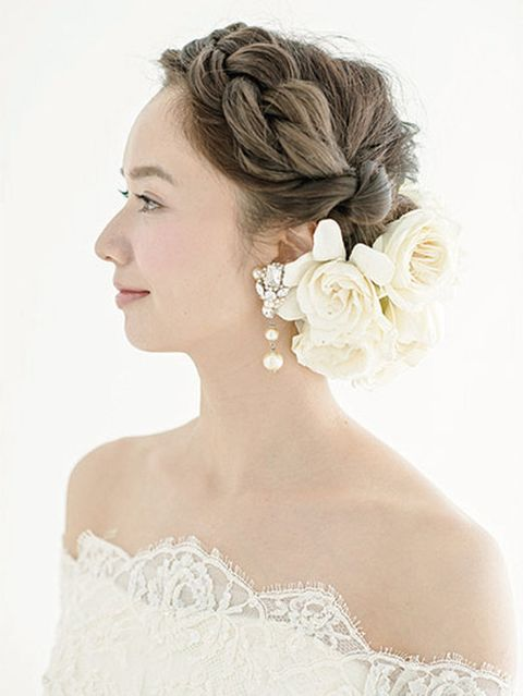 Clothing, Hair, Hairstyle, Forehead, Shoulder, Photograph, Bridal accessory, Petal, Dress, Style,