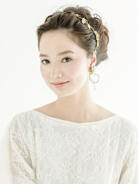 Clothing, Ear, Hairstyle, Sleeve, Forehead, Shoulder, Textile, Photograph, Dress, Style,