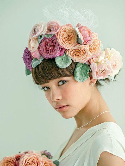 Petal, Flower, Hair accessory, Pink, Style, Headpiece, Flowering plant, Headgear, Cut flowers, Fashion accessory,