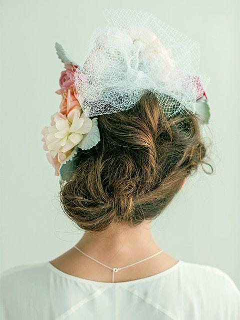 Clothing, Hairstyle, Forehead, Hair accessory, Petal, Headpiece, Style, Bridal accessory, Fashion accessory, Headgear,