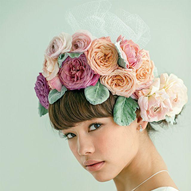 Petal, Flower, Hair accessory, Pink, Style, Headpiece, Flowering plant, Headgear, Cut flowers, Peach,