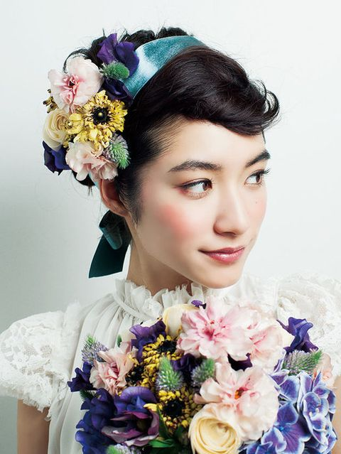 Blue, Petal, Flower, Hair accessory, Style, Eyelash, Cut flowers, Bouquet, Headgear, Headpiece,
