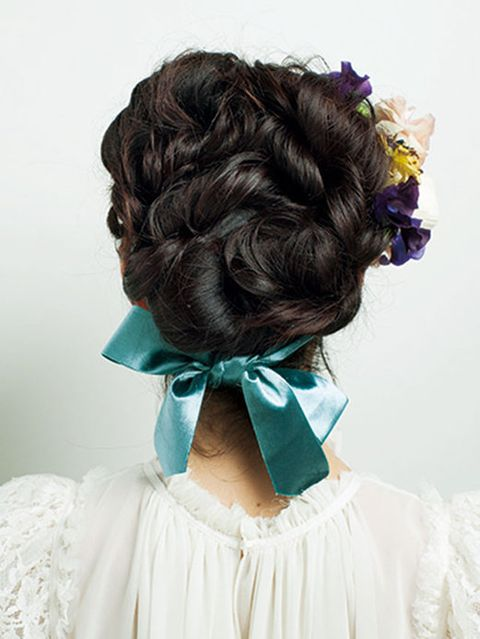 Hairstyle, Style, Dress, Teal, Hair accessory, Hair coloring, Brown hair, Lavender, Long hair, Embellishment,