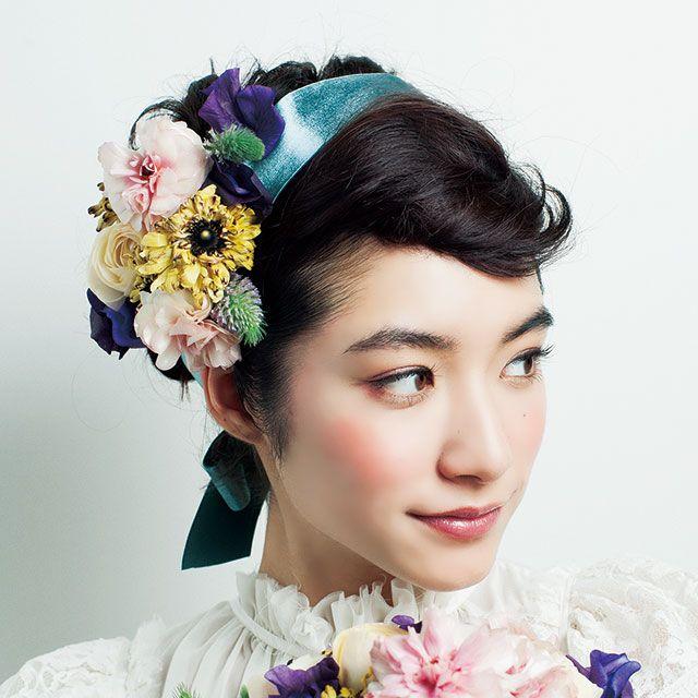 Blue, Petal, Flower, Hair accessory, Bouquet, Style, Eyelash, Cut flowers, Headgear, Headpiece,
