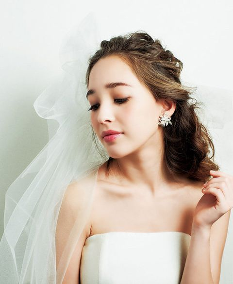 Lip, Hairstyle, Skin, Forehead, Shoulder, Eyebrow, Photograph, Bridal clothing, Joint, Bridal accessory,