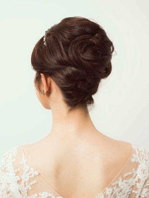 Clothing, Hair, Hairstyle, Chin, Shoulder, Style, Neck, Beauty, Bun, Back,