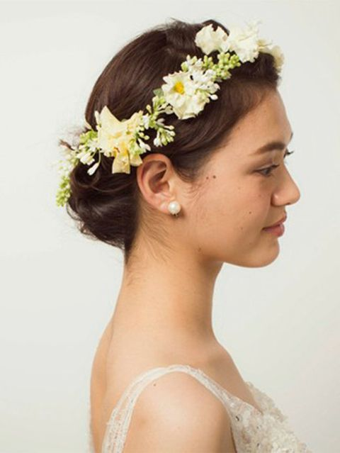 Head, Ear, Hairstyle, Skin, Forehead, Hair accessory, Petal, Photograph, Headpiece, Flower,