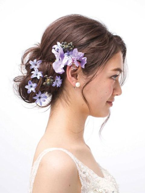 Petal, Hairstyle, Forehead, Hair accessory, Photograph, Bridal accessory, Flower, Lavender, Purple, Beauty,