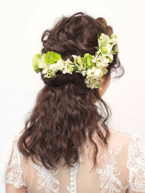 Clothing, Hair, Hairstyle, Petal, Shoulder, Hair accessory, Flower, Headpiece, Style, Bridal accessory,