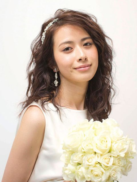 Clothing, Hairstyle, Eye, Forehead, Petal, Shoulder, Eyebrow, Photograph, Flower, Bouquet,