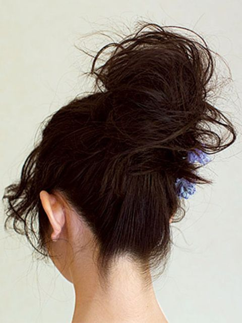 Hair, Ear, Hairstyle, Chin, Forehead, Style, Brown hair, Neck, Beauty, Long hair,