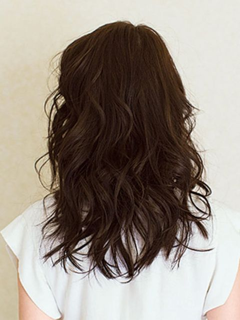Clothing, Hairstyle, Shoulder, Joint, Style, Neck, Beauty, Long hair, Brown hair, Back,