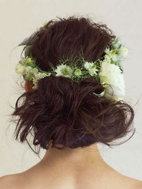 Hairstyle, Hair accessory, Style, Long hair, Headgear, Petal, Costume accessory, Neck, Liver, Brown hair,