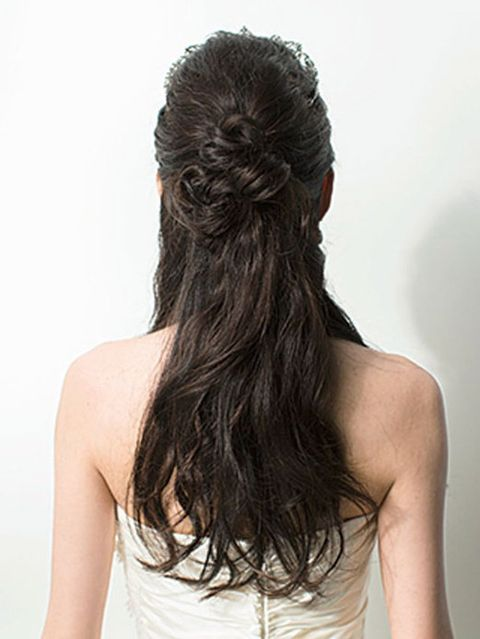 Hairstyle, Shoulder, Joint, Style, Back, Neck, Long hair, Brown hair, Hair coloring, Sleeveless shirt,