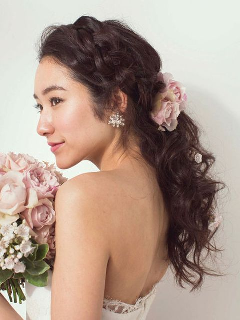 Petal, Hairstyle, Chin, Forehead, Shoulder, Eyebrow, Photograph, Flower, Bouquet, Bridal clothing,