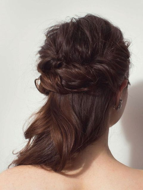 Hair, Brown, Hairstyle, Forehead, Shoulder, Style, Back, Hair accessory, Beauty, Brown hair,
