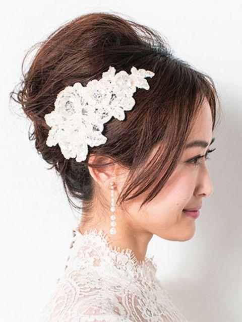Hairstyle, Chin, Bridal accessory, Forehead, Eyebrow, Hair accessory, Headpiece, Style, Petal, Beauty,