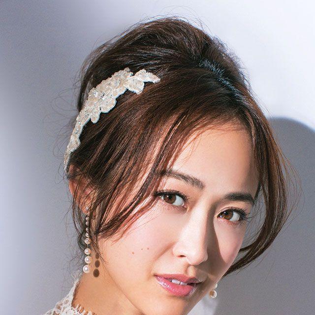 Lip, Hairstyle, Skin, Forehead, Eyebrow, Eyelash, Bridal accessory, Style, Hair accessory, Beauty,
