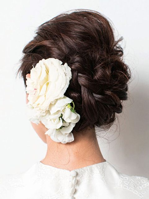 Clothing, Hairstyle, Petal, Style, Beauty, Bridal accessory, Liver, Hair accessory, Wedding dress, Brown hair,