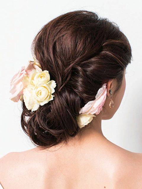 Hair, Hairstyle, Chin, Forehead, Petal, Shoulder, Hair accessory, Flower, Style, Beauty,