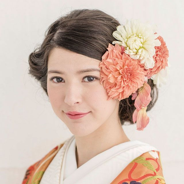 Hairstyle, Style, Costume, Kimono, Peach, Artificial flower, Portrait, Makeover, Portrait photography, Tradition,