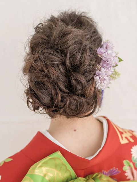 Hairstyle, Style, Brown hair, Hair coloring, Red hair, Bun, Chignon, Costume design, Costume, Painting,